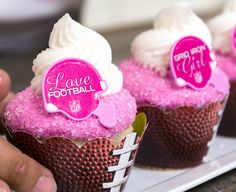 Football divas, this cupcake is for you. Make it simple and pink with a touch of sparkle for your next football-themed party.