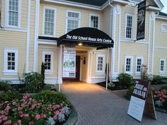 Learn more about the Qualicum Beach galleries and music at The Old School House Arts Centre. Things To Do, Old Things, Old School House, Great Restaurants, Vancouver Island, Great Places, Home Art, Centre, Homeschool