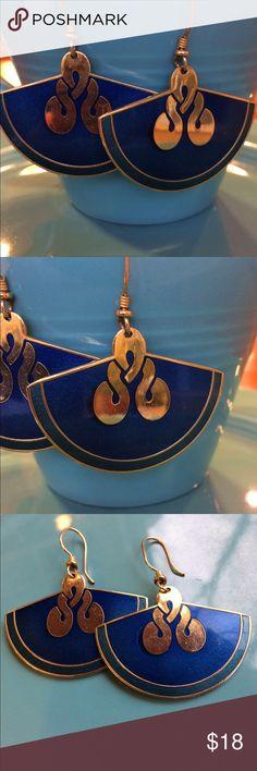 Vintage LAUREL BURCH earrings Gold-tone fan-shaped earrings with dark blue and greenish blue enamel. From the late 1980s. For pierced ears. Big and beautiful. Jewelry Earrings