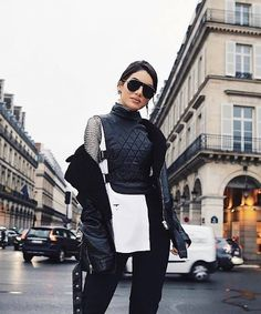 Fashionista @camilacoelho toda trabalhada nas sobreposições e nos novos aviadores Dio(r)evolution! #dior #oticaswanny #Diorevolution