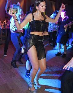 Charli XCX and Dua Lipa get their groove on at Warner Music bash Dua Lipa Concert, My Dua, Lgbt, Bebe Rexha, Charli Xcx, Female Singers, Sexy Women, Beautiful Women, Celebs