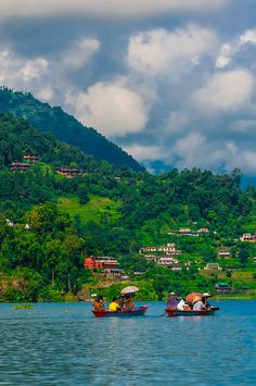 An 8 day Himalaya Motorbike Tour leads you to explore exotic view and art stored outside the valley. This tour will lead you to some of those exotic places; Chitwan, Lumbini, Gorkha, Tansen (Palpa), Bandipur and Pokhara. Voyage Nepal, The Places Youll Go, Places To Visit, Monte Everest, Nepal Kathmandu, Travel Photographie, Asia Travel, Travel Nepal, Wonders Of The World