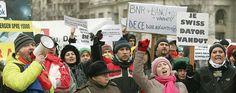 Clienții cu credite în franci elvețieni vor protesta duminică în fața Guvernului