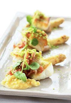 Turbot aux asperges et crevettes grises - Eating.be