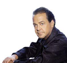 Ποίος να συγκριθεί μαζί με τον Γιάννη Πάριο; http://www.getgreekmusic.gr/blog/poios-sugrithei-mazi-gianni-pario/