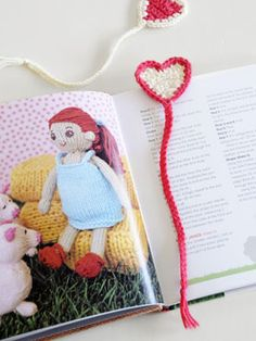 Spud & Chloë — Fun pattern collection for both kids and adults in knit and crochet — Pattern Store » Floating Heart