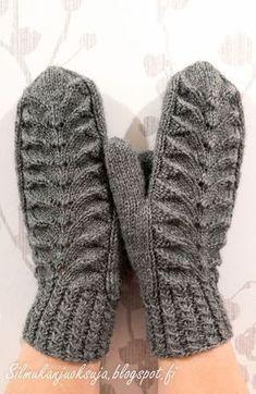 Eräänä päivänä teki mieli neuloa lapaset. Näissä harmaissa lapasissa olen kokeillut paria minulle uutta tekniikkaa; kierrejoustinta ... Knitting Charts, Free Knitting, Knitting Socks, Free Crochet, Knit Crochet, Knitting Patterns, Mittens Pattern, Knit Mittens, Knitted Gloves