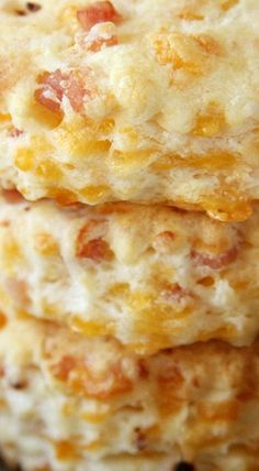 Ham and Cheddar Biscuits - Southern Bite Cheddar Biscuits, Cheese Biscuits, Flaky Biscuits, Biscuit Bread, Biscuit Recipe, Biscuit Mix, Breakfast Items, Breakfast Recipes, Breakfast Nook