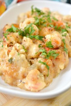 Keto lobster casserole is a delicious low carb dinner recipe that is full of lots of lobster meat. This decadent dinner goes great with steamed veggies. Lobster Dinner, Lobster Meat, How To Cook Lobster, Steamed Lobster, Best Seafood Recipes, Lobster Recipes, Meat Recipes, Cooking Recipes, Lobster Casserole Recipe