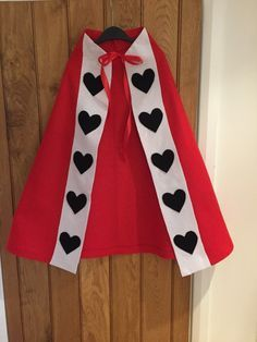 Alice in Wonderland is a classic book, with characters that have been recognisable for generations. Dress your little one up like the most famous villain with this easy no-sew felt cloak - simply add a crown and some hearts on their cheek!