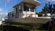 Project Houseboat Shell for Sale in Chesespeake, MD 21915 - iboats.com Small Houseboats, House Boats For Sale, Chesapeake City, Houseboat Living, Tug Boats, Used Boats, Large Photos, Tiny House, Boating