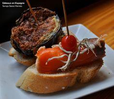 Tapas de saumon et crabe et aubergine et bacon