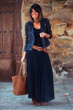 Look com vestido, black maxi skirt outfit, maxi skirt winter, navy dress, m Mode Outfits, Casual Outfits, Fashion Outfits, Womens Fashion, Casual Hair, Jackets Fashion, Formal Outfits, Women's Casual, Casual Dresses