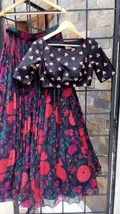 Beautiful floral lehenga and black designer blouse.Mrunalini Rao avaialble at Chennai collage. Dress Neck Designs, Blouse Designs, Indian Attire, Indian Wear, Frocks For Girls, Girls Dresses, Indian Dresses, Indian Outfits, Choli Dress