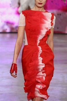 Stephane Rolland Haute Couture Spring 2009   FashionWindows Network
