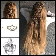 Topsytailed braid with woven parts and a lovely hairclip from the webshop www.goudhaartje.nl (worldwide shipping). Hairstyle inspired by: @myhairstyle_xo (instagram) #hair #crown #haar #vlecht #vlechten #hairclip #hairstyle #braid #braids #hairstylesforgirls #plait #trenza #peinando #прическа #pricheska #ヘアスタイル #髮型 #suomiletit #fläta #beautifulhair #gorgeoushair #stunninghair #hairaccessories #hairinspo #braidideas #amazinghair #halfupdo #goudhaartje