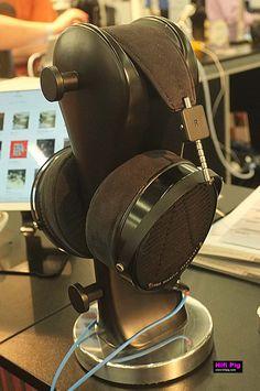 Head Fi at High End Munich 2015, get all the show reports and news on Hifipig.com #hifi #highendmunich2015 #highendmunich #headfi #headphones @audeze