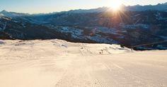 Early morning on the ski slopes Ski Slopes, Early Morning, Mount Everest, Skiing, Relax, Spaces, Travel, Ski, Viajes