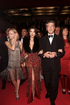 Muholland Dr premiere (from the gauntlet, I would guess at Cannes)