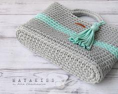 Marvelous Crochet A Shell Stitch Purse Bag Ideas. Wonderful Crochet A Shell Stitch Purse Bag Ideas. Bag Crochet, Crochet Shell Stitch, Crochet Handbags, Crochet Purses, Diy Crafts Knitting, Diy Crafts Crochet, Crochet Projects, Knitting Patterns, Crochet Patterns