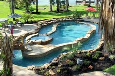 Pool with lazy river around it