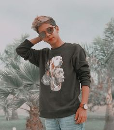 Graphic Sweatshirt, T Shirt, Sweatshirts, Sweaters, Tops, Women, Fashion, Supreme T Shirt, Moda