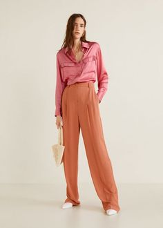 Discover the latest trends in Mango fashion, footwear and accessories. Shop the best outfits for this season at our online store. Mango Fashion, Spring Fashion, Autumn Fashion, Satin Blouses, Shirt Blouses, Moda Mango, Mango France, Satin Fabric, Manga