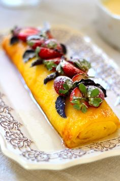 Torta de Iogurte Trifle, Delicious Desserts, Dessert Recipes, Quiche, Yogurt, Portuguese Recipes, Caramel Apples, Yummy Cakes, Cooking Time