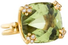 18K yellow gold Temple St. Clair split shank ring with green beryl and diamonds. Ring size 8. This item has been appraised and inspected by our certified gemologist. Metal: 18K Yellow Gold Finish: Bright Polish Total Gram Weight: 23.6g Stones: Green Amethyst Cut: Cabochon Cushion Color: Green Clarity: Transparent Stone Count: 1 Total Carat Weight: 30ctw Stones: Diamonds Cut: Round Brilliant Color: G-H Clarity: VS Stone Count: 12 Total Carat Weight: 0.24ctw