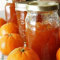 Clementine or Mandarin Marmalade. Maybe make with blood oranges. Deep red marmalade would be awesome for Christmas goodies. Jam Recipes, Canning Recipes, Satsuma Recipes, Jelly Recipes, Clementine Recipes, Clementine Jam, Mandarine Recipes, A Food, Food And Drink