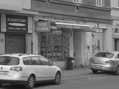 Praha 10. Tady ještě fungují maloobchody. Největší potěšení skýtá ušetřených pár kaček.
