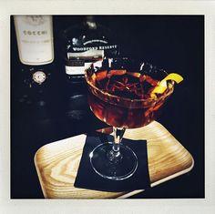 Manhattan (woodford reserve bourbon double oaked & vermouth cocchi storico) Épicé moelleux puissant . . . . . . . . #cocktail #leMondeModerne #MondeModerne #lille #bar