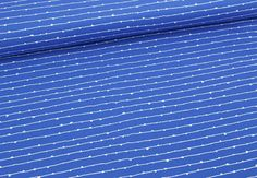 """Zauberhafter fester Baumwollstoff mit vielen kleinen Fäden, die sich zwischendurch knäueln :) Hier auf einem dunkelblauen Hintergrund - aus der Kollektion """"Blueberry Park"""" von Robert Kaufman..."""