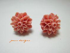 rosa Blüten    http://de.dawanda.com/product/42240494-rosa-Blumen-Ohrringe-silberfarbene-Stecker