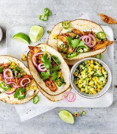 Probiere Planted Chicken-Tacos mit Mais-Gurken-Salsa jetzt bei FOOBY. Oder entdecke weitere feine Rezepte aus unserer Kategorie Vegane Rezepte.