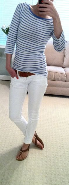 white skinny jeans with brown belt, brown sandals