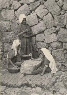 Bethlehem-بيت لحم: Women of Bethlehem 60 (Arab women grinding, 1912)