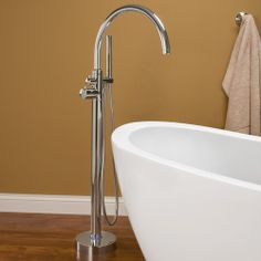 Modesto Thermostatic Control - Freestanding Bath Filler / Hand Sprayer - Chrome CODE: 107606