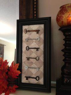 Old skeleton keys mounted on fabric in a shadow box frame. Skeleton Key Crafts, Old Key Crafts, Crafts To Make, Arts And Crafts, Diy Crafts, Skeleton Keys, Antique Keys, Vintage Keys, Key Projects