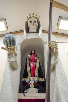 La Santa Muerte: Mexico's Saint of Delinquents and Outcasts | VICE | United States