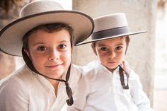 pajes con sombrero cordobes