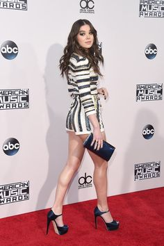Celebrity Zoom: Hailee Steinfeld Beautiful at the 2015 American Music Awards Beautiful Women Pictures, Beautiful Girl Image, Beautiful Legs, Gorgeous Women, Hailey Steinfeld, Pitch Perfect, Beauty Full Girl, Sexy Legs, Toddler Girls