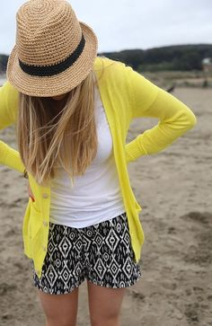 White Shirt And Colorful Yellow Cardi 2017 Street Style