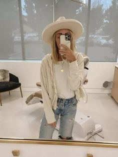 cute and simple outfits for the weekend