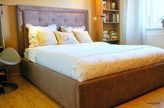 Livingroom: Lova - su sagomis, patalynės dėže /Bed with button...