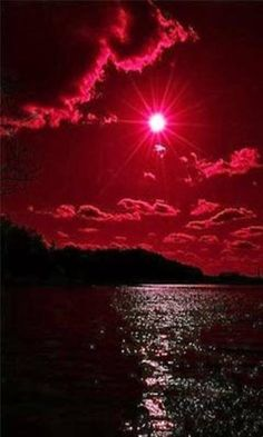 Red sky over deep waters. Beautiful Moon, Beautiful Places, Beautiful Pictures, Amazing Photography, Landscape Photography, Nature Photography, Free To Use Images, Red Wallpaper, Red Aesthetic