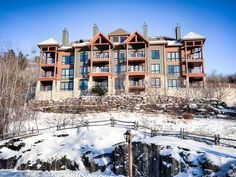 VRBO.com #666338 - Luxurious Ski-in Ski-Out 3 Bed Condo with Views of Mountain, Resort and Lake