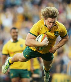 Michael Hooper of the Wallabies dives to score a try during the International Test match between the Australia Wallabies and France at Allianz Stadium on June 2014 in Sydney, Australia. (Photo by Mark Metcalfe/Getty Images) Rugby Sport, Rugby Club, Rugby Men, Sport Man, World Rugby, World Of Sports, Rugby League, Rugby Players, Australia Rugby