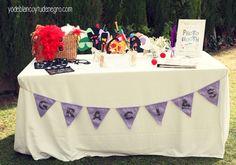 Banderitas o banderolas para decorar la mesa con los articulos del photobooth