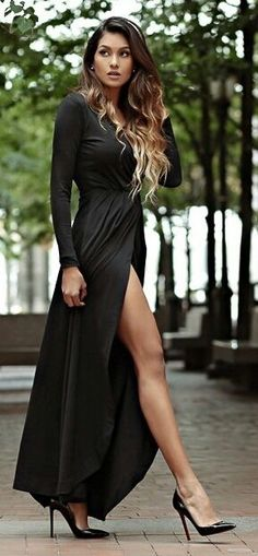 Women's fashion | Long sleeves black slit dress